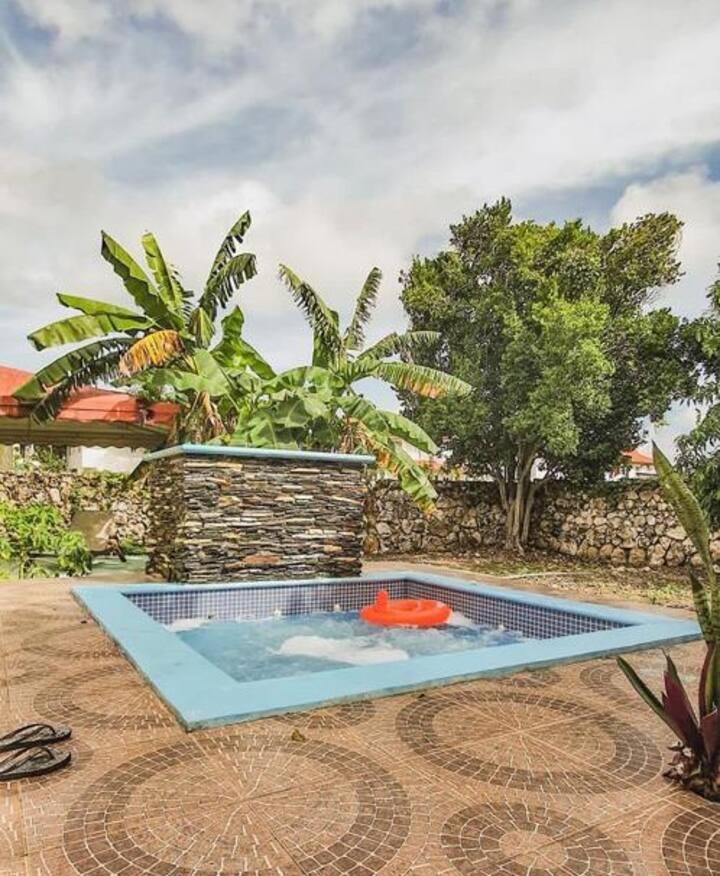 Villa completa, 3 habitaciones, parqueo y piscina