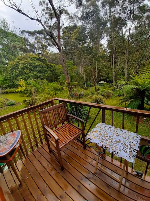Ferncreek Mountain retreat, wild bush views (สมาชิกของ Facebook, ส.ค. 2009)