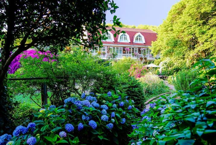 三棵树庄园   <高端花园民宿>,自带超美花园的房子 ---- 『兰生幽园』