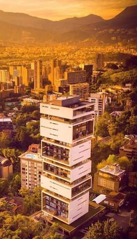 ★1701★Coolest building Medellin★Rooftop Pool/Spa!★