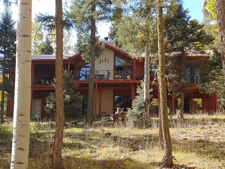 ◈ Aspen Knoll Lodge ◈ 5BR/4BA ◈ Sleeps 16 ◈Hot Tub