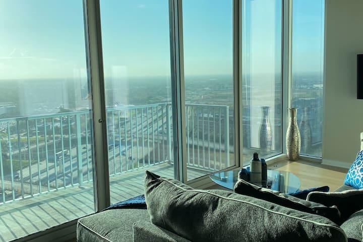 Medical Center Luxury High Rise Apartment