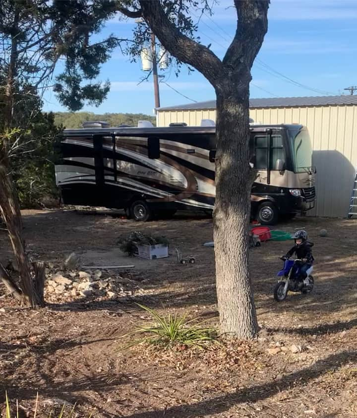 Family Size RV in the perfect location.