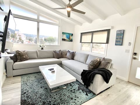 Stunning Beach Pad in Heart of Town 2blks to Beach