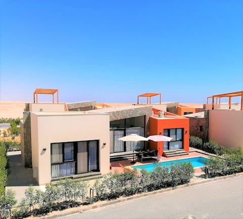 B@103-Contemporary villa with a pool in Soma Bay.