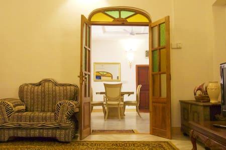 Zanzi Home, culture authentic