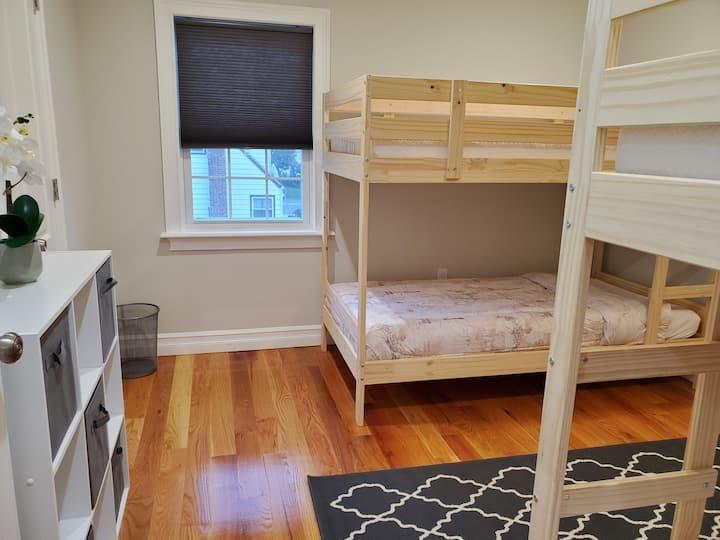 Amazing 2 bedroom apt,  plenty amenities near JFK