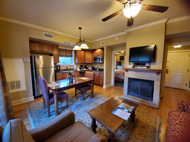 Fully equipped for all seasons! Gas fireplace through the fall and winter months, ceiling fans to cool off in the spring and summer! Upgraded kitchen with convection oven and cooktop. Sleeper sofa to sleep 2 guests.