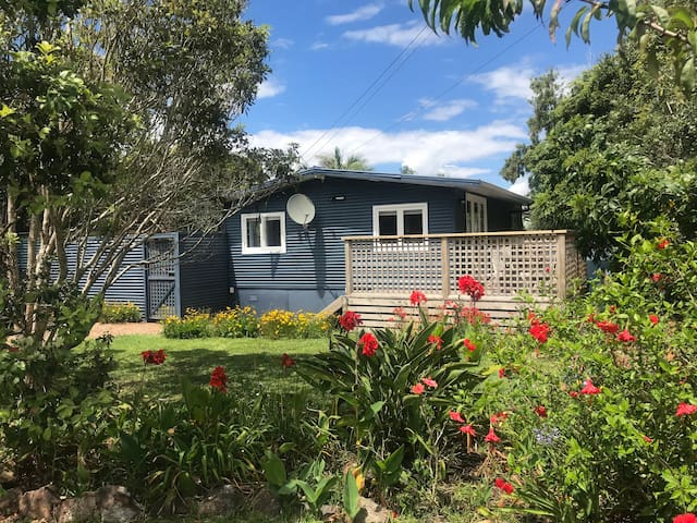 Newly renovated cottage minutes from Oneroa