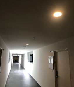 There always have lights light up in corridor.