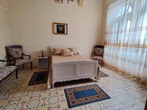 Safi -  Private Room - in a Palazzo