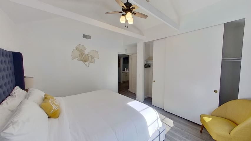 2nd Bedroom with very comfortable bed