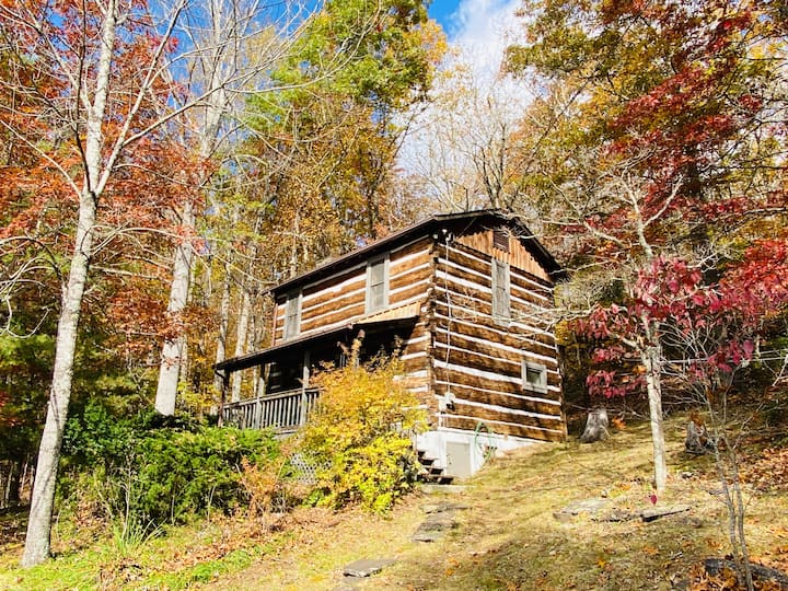 Rustic cabin: Private, Peaceful, Easy Access