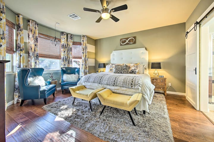 ★ Master Bedroom ★  Book for an amazing time!