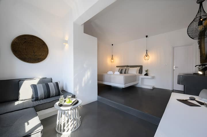 Santolia Art Suites -Executive Suite with Sea View