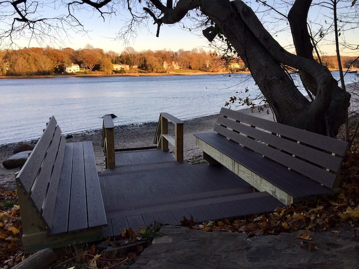 Newly Renovated Water Front Cottage in Setauket