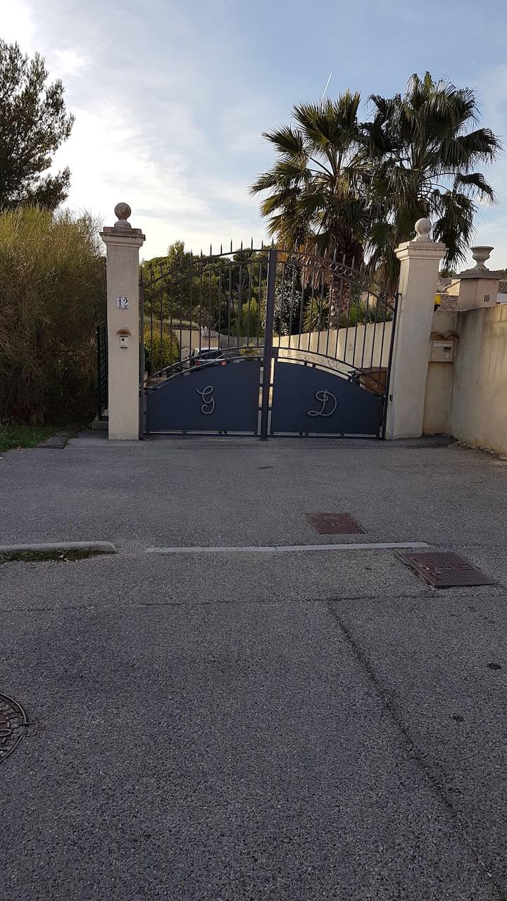 Bas de villa dans la Venise Provençale