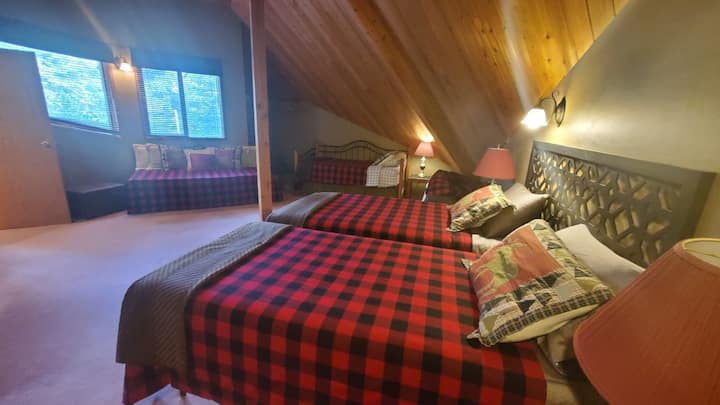 PINETREE CHALET shared accommodation
