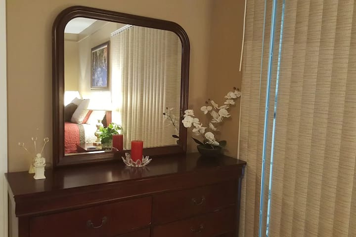 Guest house with private patio near Fort Sam