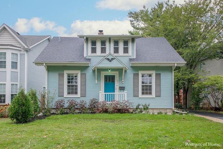 Charming Historic Sears House in Downers Grove Il.