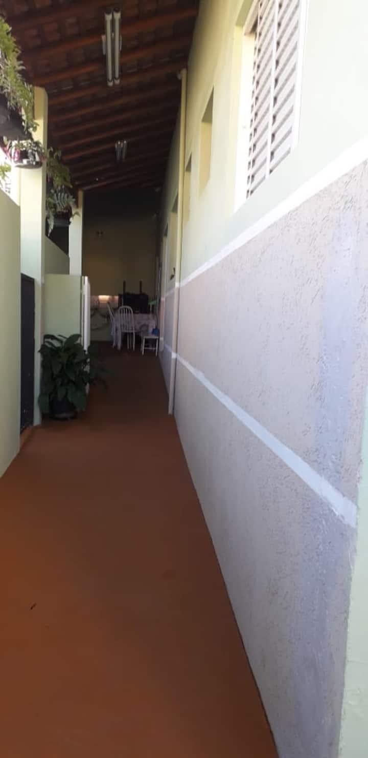 Casa próxima a faculdade São Leopoldo Mandic