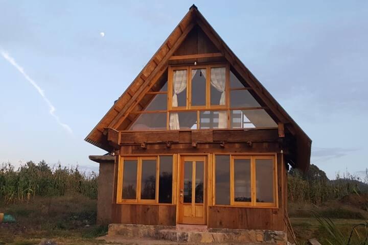 """""""Cabaña Rústica Janikua"""" a la orilla del Lago"""