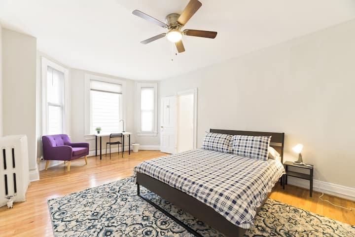 Columbia Heights - Master bed/bath, private entry