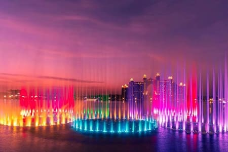 ON THE BEACH, Worlds largest Fountain Show, PalmJM