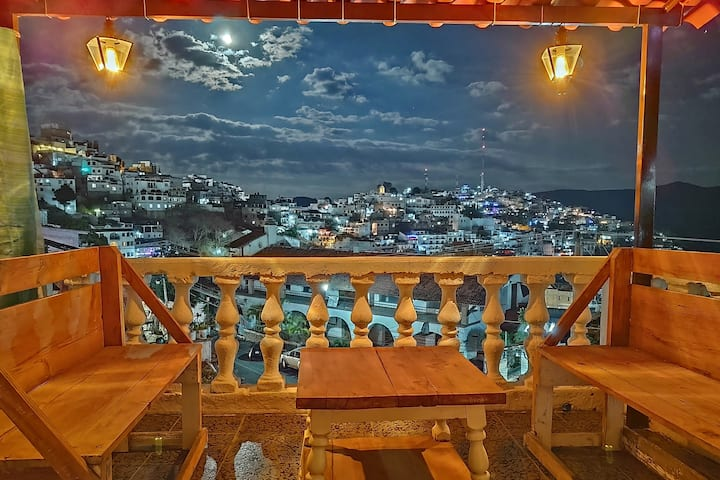 Encantadora terraza, céntrico con estacionamiento