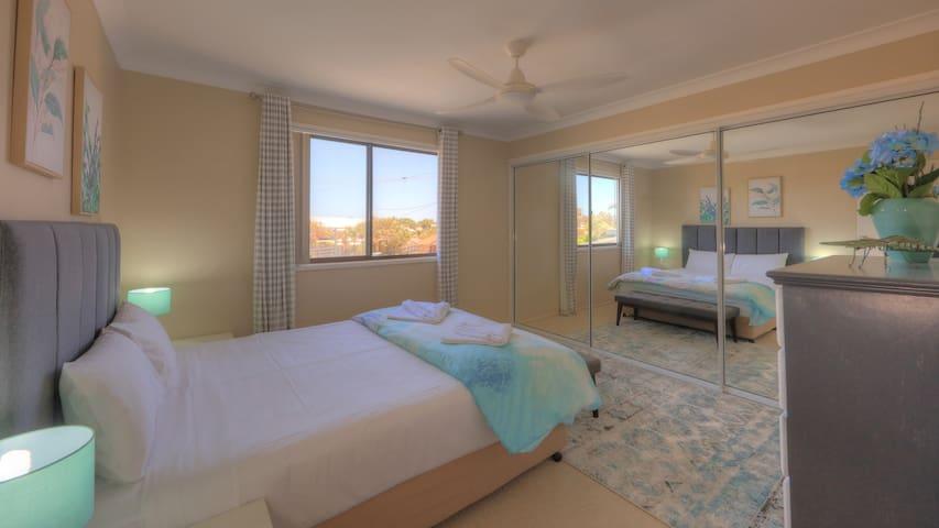 Second Bedroom Queen - Air Conditioned + Fan