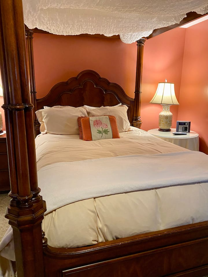 Parisienne Suite, your Swann House Retreat in DC!