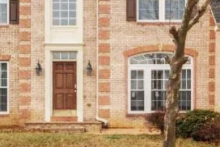 Fully Furnished Home in MD, close to Washington DC