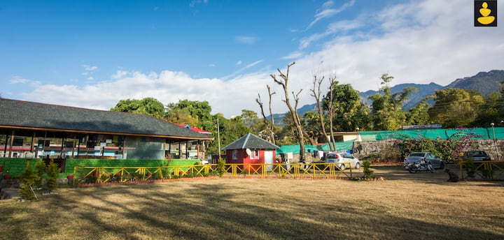 LivingStone Amidst Tea Garden Stay 3 deluxe rooms