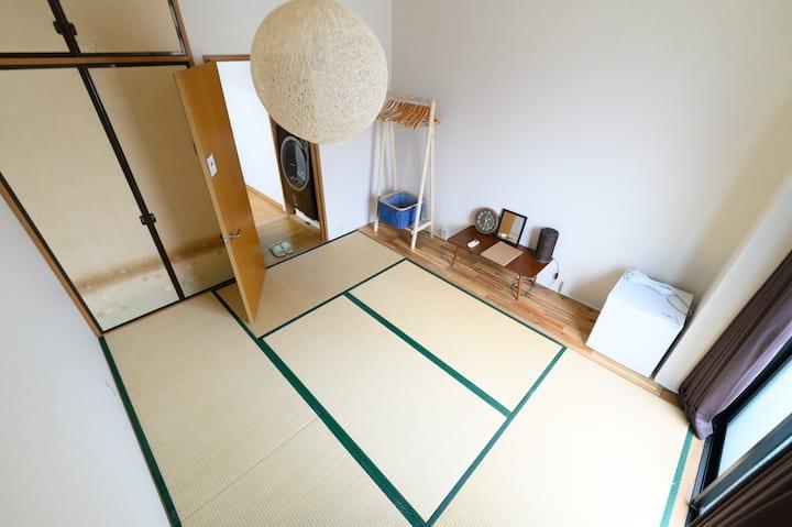 Le Petit Tokyo 貸切り最大8名・使い捨てリネンを対応する・1泊 1組