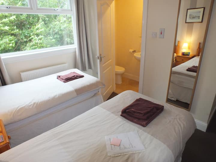 Guest House Great Value Room 1