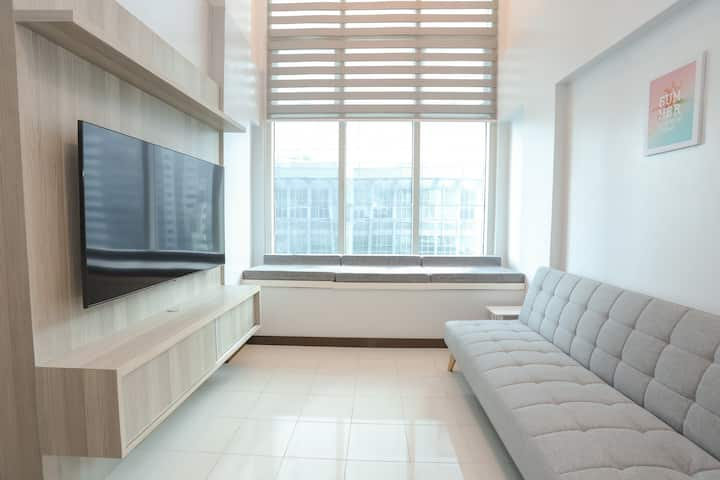 30% OFF New Penthouse Loft 30mbps, Netflix,Parking