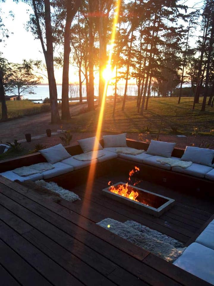 A Private Lake Paradise minutes from the Beach