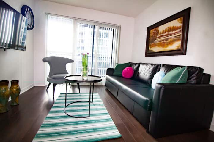 Spacious Condo DownTown, Bright, Great view
