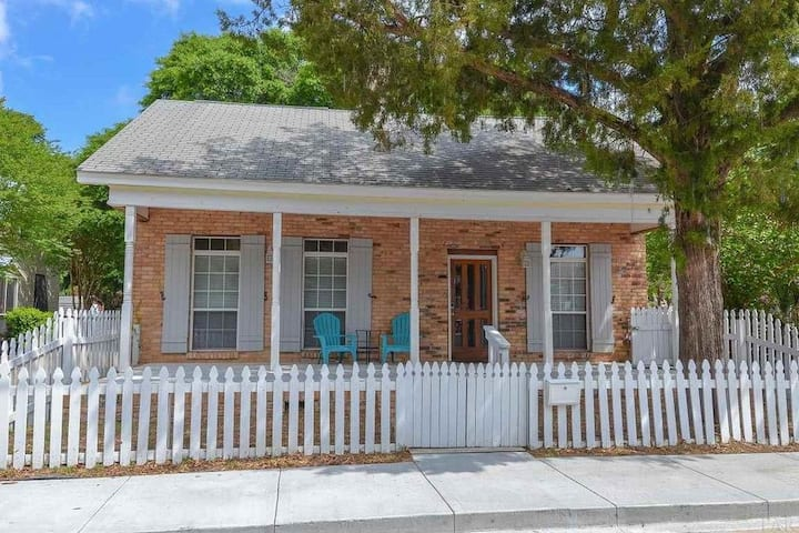 Pensacola Home w/in walking distance of Downtown