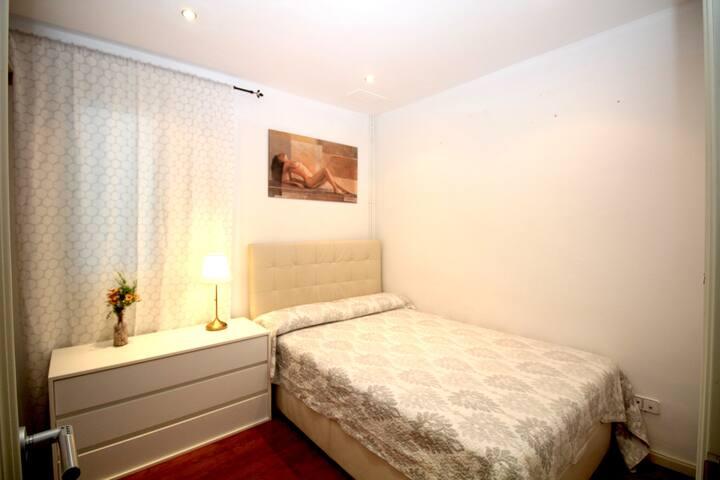 Bonita habitación en mejor zona de Barcelona