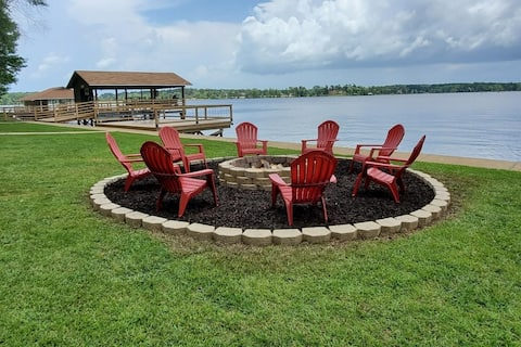 *Just Listed, Newly Renovated Lakefront Property*