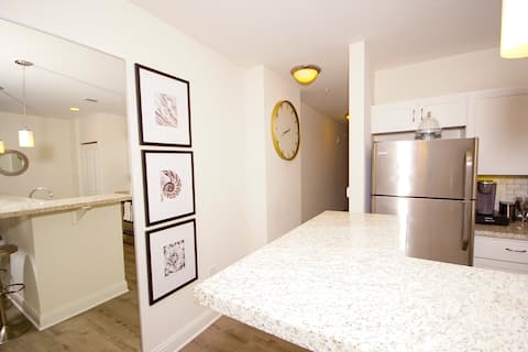 Stylish Downtown Apartment Perfect for Long Stays