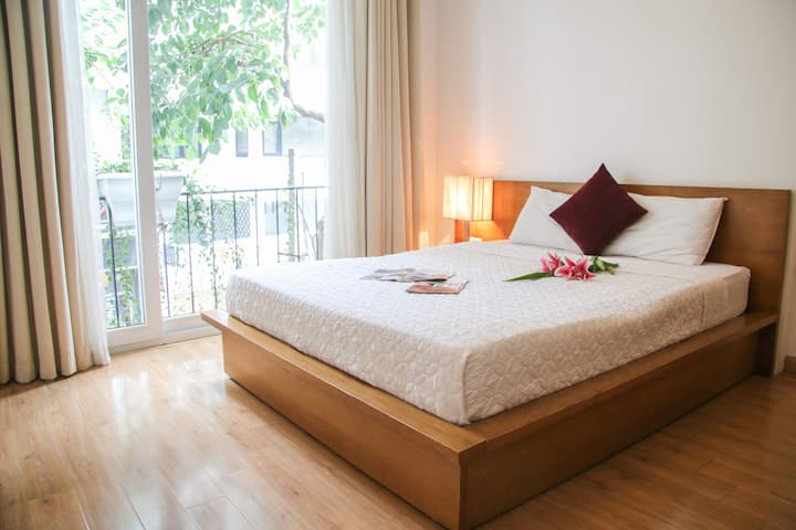 quiet light comfortalber 1br 1ba Linh Lang 閑静 明るい