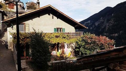 """Mountain house """"Le Chêtcheu"""", Le Trétien"""