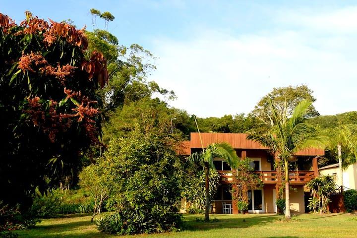 Recanto do Morro Pousada/Casa em  condomínio .