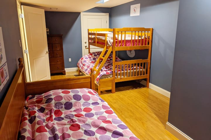 Bedroom #4: Bunk bed (single up top, full on the bottom) and a single bed