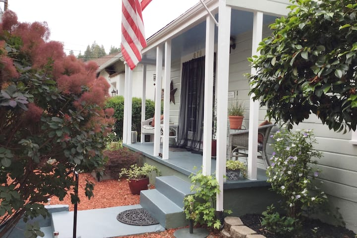 Placerville Charmer!  Downtown.  Work/Play here!