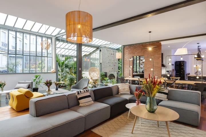 Splendide loft sous verrière avec jardin d'hiver