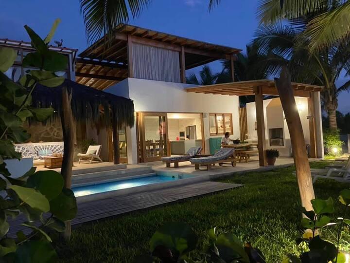 Espectacular casa en Condominio Punta Sal