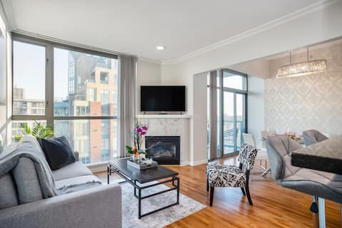 Exquisite Home In The Heart Of YALETOWN